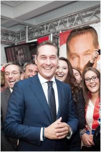 HC Strache in den Räumlichkeiten des FP Parlamentsklubs am Tag der Nationalratswahl 2013. Wien.
